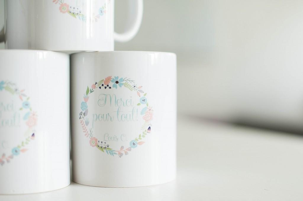 mug personnalisé, couronne fleurie, bleu, cadeau, crèche, nounous