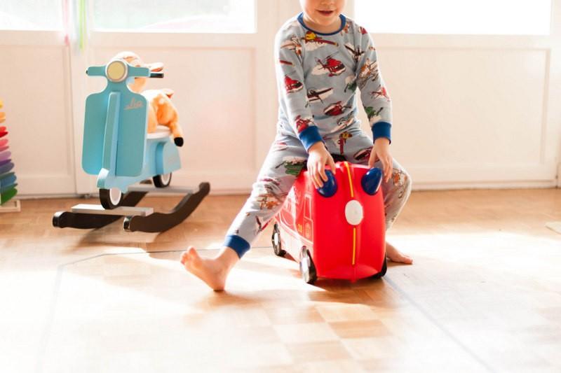 valise trunki, louis, camion de pompiers