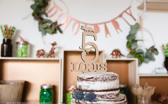 Jesuisvenutedire – le cake toper dinosaure de Louis